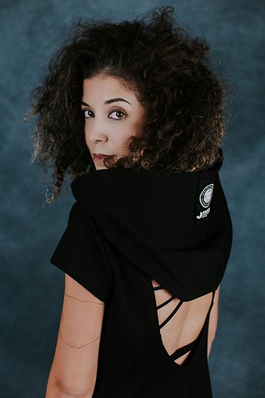 Cerne šaty s krátkym rukávem