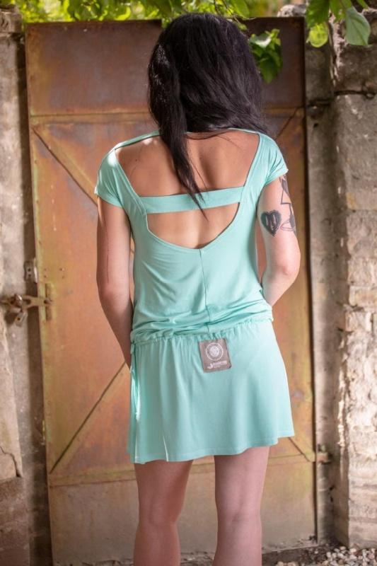 Mentolové šaty